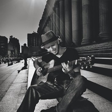 Jeff-Fiorello-street-musician-New-York-2.jpg