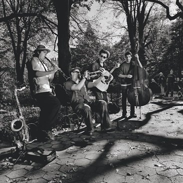 Tin Pan Band street musicians in New York